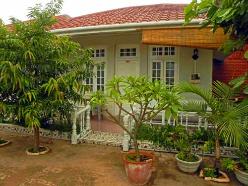 hsipaw hill tribes budget hotel